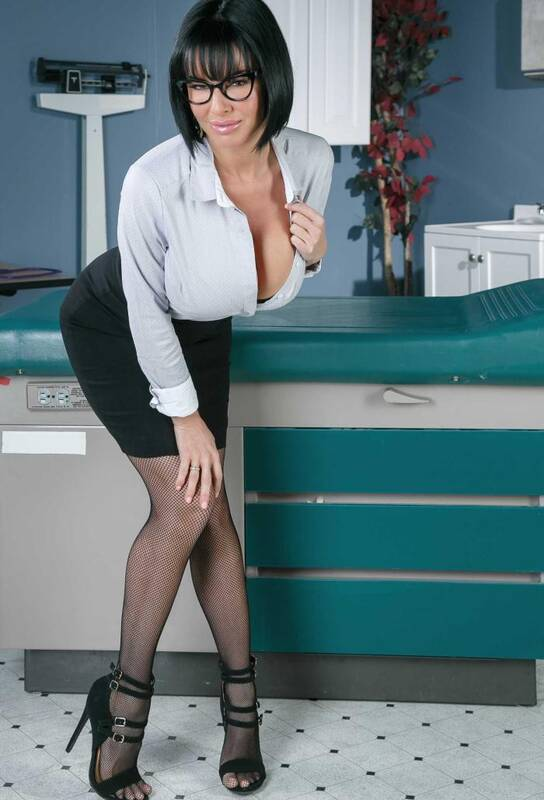 Doctor - Veronica Avluv - Stroke It For Me  [SD 480p]