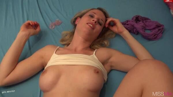 Hot Dirty Girl [MIA - Vom Handwerker geschwangert] (FullHD, 1080p)