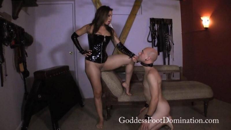 GoddessFootDomination.com: Goddess Kylie - Unproductive Slave [FullHD] (238 MB)