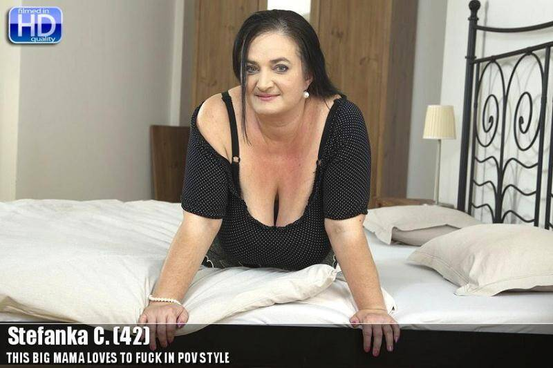Stefanka C. (42) - Old Mom Loves Masturbation - 20336 [SD] - Mature.nl