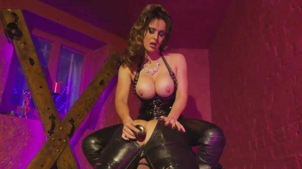 Clips4sale.com: Mistress Annabelle - Analinspektion (21.01.2016/HD)