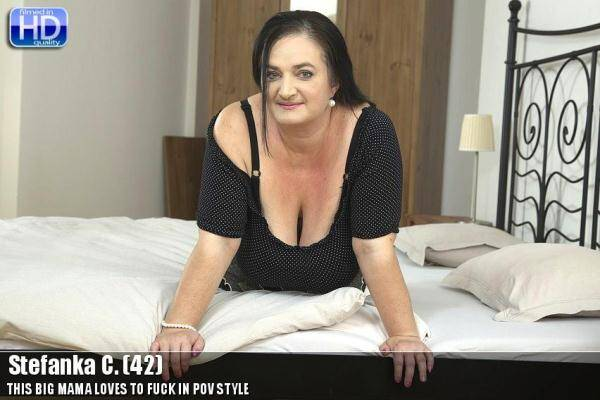Stefanka C. (42) - Old Mom Loves Masturbation - 20336 (Mature.nl) [SD, 540p]