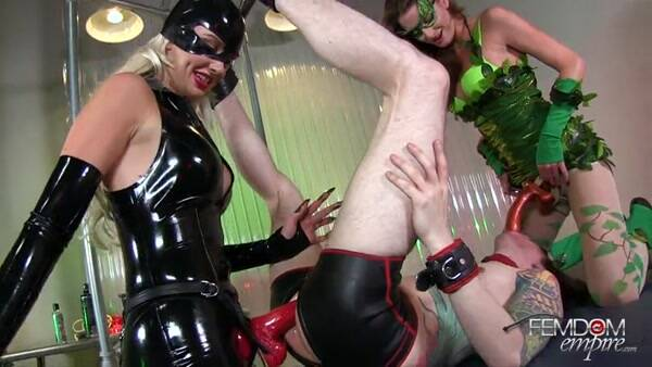 Robin Defiled - Strapon Fuck [SD] - Female Domination