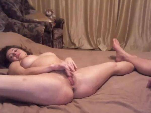 Caramelca with big boobs on bed! (Amateur Sex) [SD, 480p]