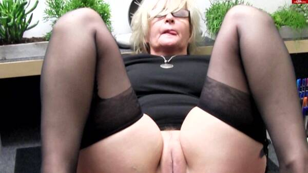Hot Dirty Girl - Janne - In die Hose gegangen [FullHD 1080p]