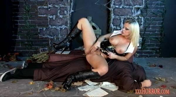 XXXHorror.com - Bree Olson Evil Mistress (Fetish) [SD, 596p]