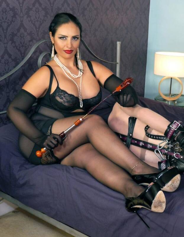 English Mansion - Mistress Ezada Sinn - H0gT13d Toy  [SD 360p]
