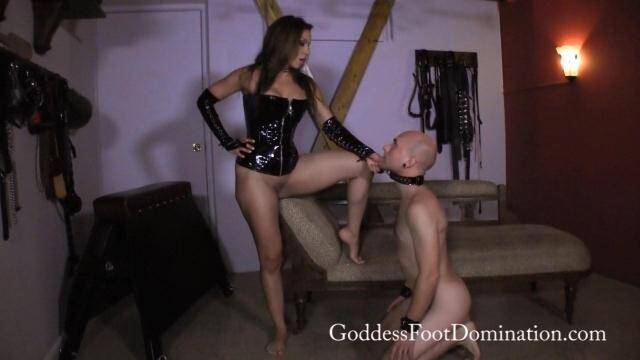 GoddessFootDomination.com - Goddess Kylie - Unproductive Slave [FullHD, 1080p]
