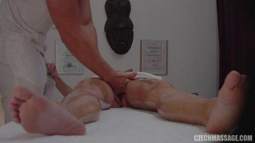 CzechMassage.com/Czechav.com [CZECH MASSAGE 209 - HOT TEEN GIRL GETS ORGASM!!!] FullHD, 1080p)