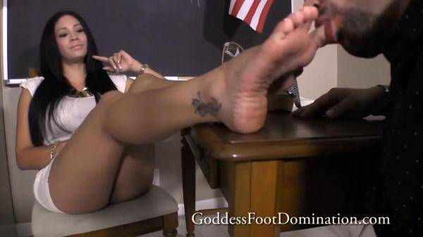 GoddessFootDomination.com: Goddess Jamie - Saving College Grant (06.01.2016/FullHD)