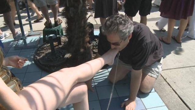 MistressT.net - Mistress T - Best Public Foot Fetish Clip Ever [HD, 720p]