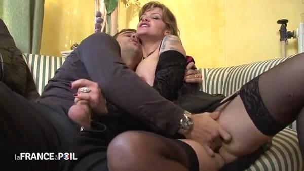 LaFRANCEaPoil.com - Une bonne mature qui aime la bite! Taxi Pervers! Femme mure! (Mature) [SD, 406p]