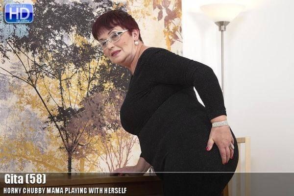 Mature.nl: Gita (58) - Solo - 20305 (04.01.2016/SD)