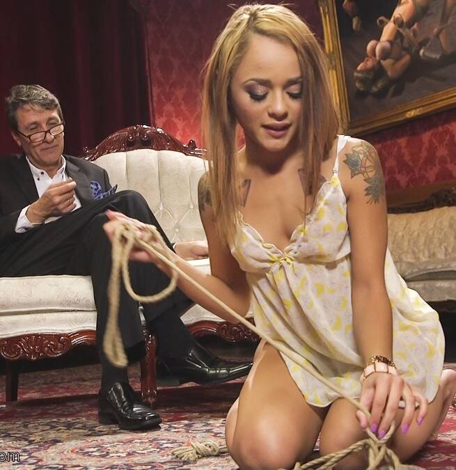 SexAndSubmission.com/Kink.com - Holly Hendrix - Anal Domination of Holly Hendrix  [SD 540p]