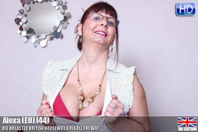 Mature.nl/Mature.eu - Alexa (EU) (44) - British HouseWife Masturbation - 20333 [SD, 540p]