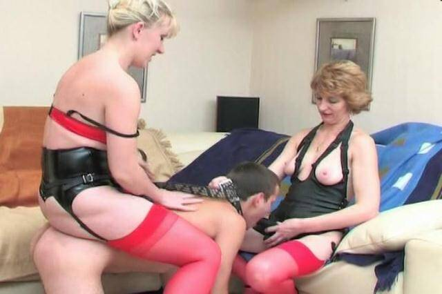 Clips4sale.com - Amateur group fucking with strap-on! [SD, 480p]