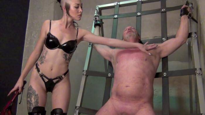 Clips4sale.com - Madam Luzia Lowe - A WELL DESERVED THRASHING (Femdom) [HD, 720p]