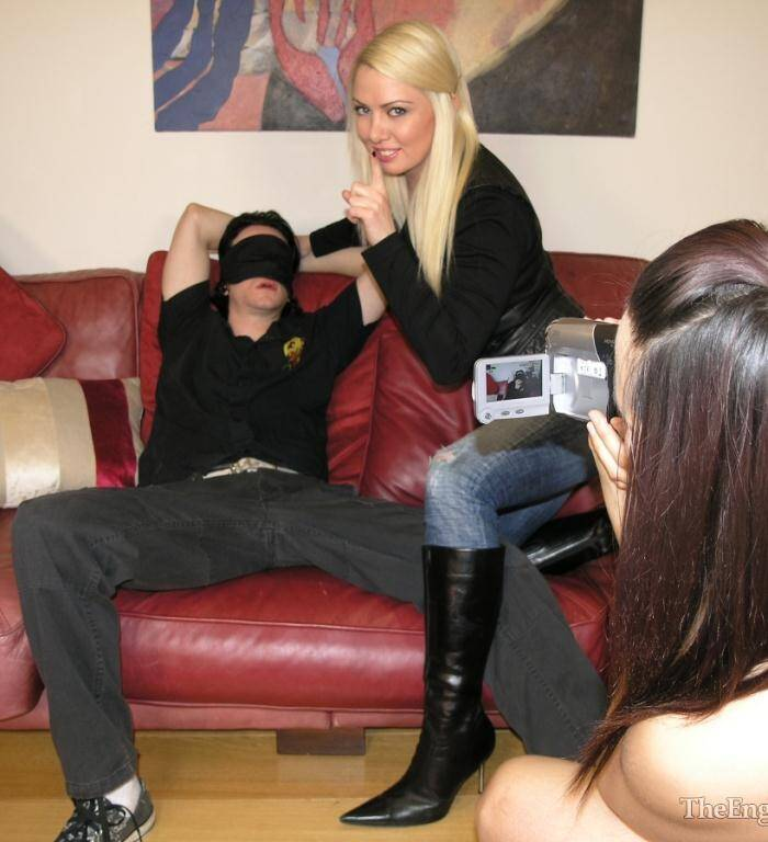 English Mansion - Goddess Lexi, Miss Annalieza, Mistress Sidonia - 3x-G1rlfr13nds Revenge  [SD 360p]