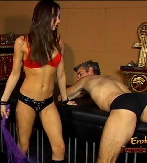 EroticFemaleDomination.com - Vanessa Lane [Bossy Mistress Vanessa Tortures A Caged Slave] (FullHD 1080p)