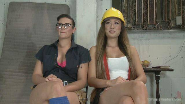 Pussy Hunter - Penny Barber and Venus Lux - Horny Electricians get their hands dirty [SD, 540p]