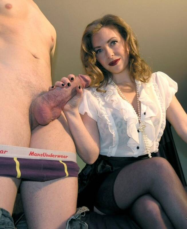 English Mansion - Mistress T - Cuck Husband POV  [HD 720p]