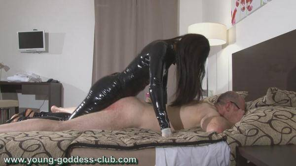 GODDESS RACHEL AND SLAVE RICHARD - YOUNG FEMDOM 3 [Young-goddess-club.com] [HD] [627 MB]