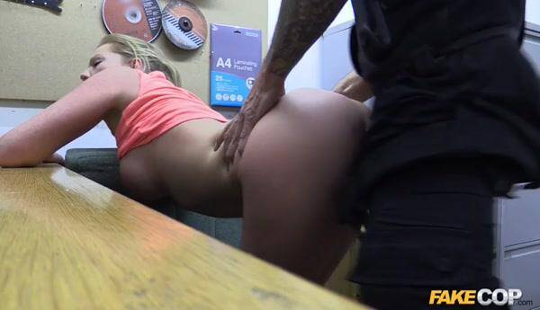 Holly - Hot gym MILF pulled over and fucked (Fuck Cop) [SD, 368p]