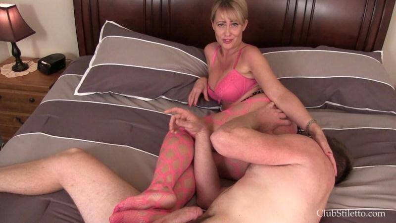 ClubStiletto.com: Smothered Ass Licking Toilet [FullHD] (508 MB)