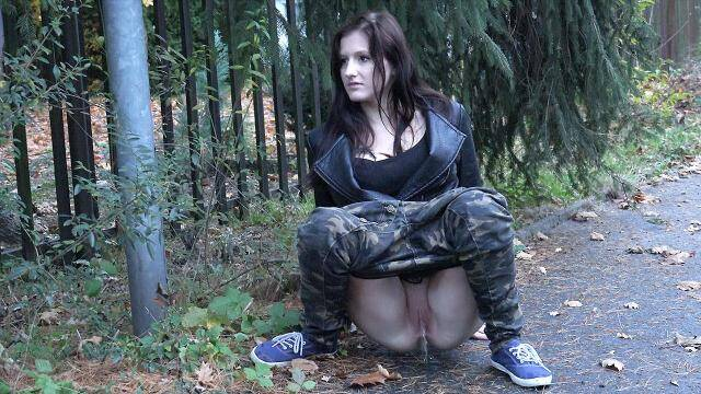 G2P - Hot young brunette piss on the street public - Camouflage [FullHD, 1080p]