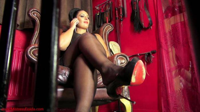 Clips4sale.com - Mistress Ezada Ignoring You, The Caged Slave (Femdom) [HD, 720p]