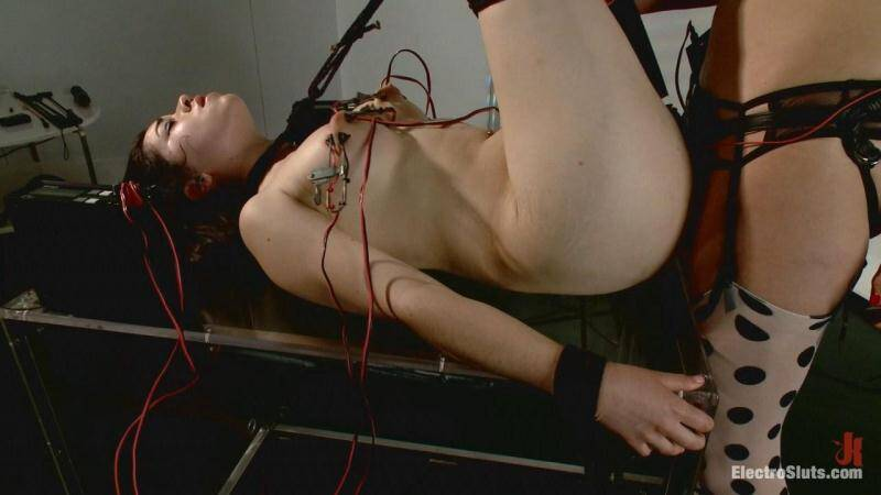 Bobbi Starr and Naidyne - Fresh Faced and Freshly Electro-Fucked! [HD] - ElectroSluts, Kink