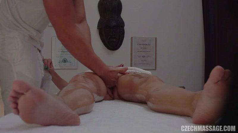 CzechMassage.com/Czechav.com: CZECH MASSAGE 209 - HOT TEEN GIRL GETS ORGASM!!! [FullHD] (460 MB)