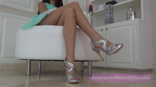 See My Legs At The Mall [HD, 720p] [MiamiMeanGirls.com] - Humiliation