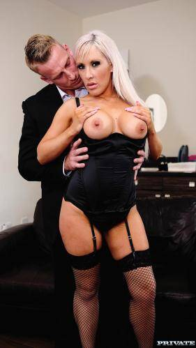 Private.com [Blonde Milf Lexi Ryder Loves to Fuck Her Husband�s Hung Friends] HD, 720p)