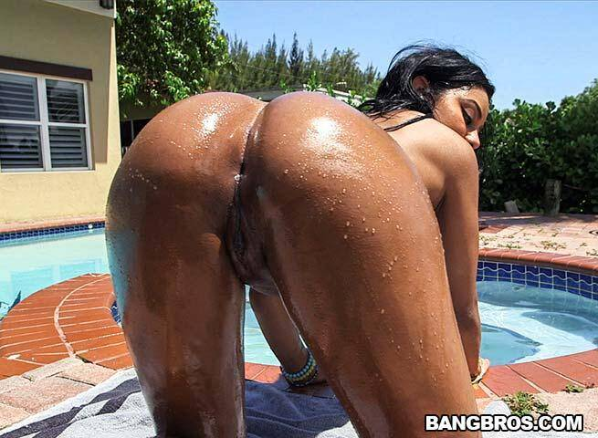 Aaliyah Grey shakes that ass on a raw cock [SD] - Bang Bros, Ass Parade