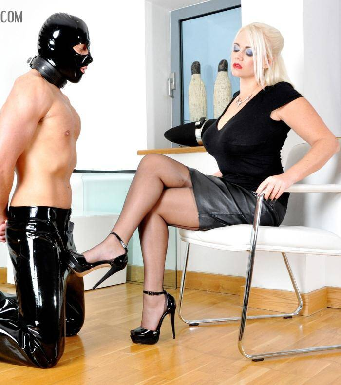 Femme Film - Divine Mistress Heather - Office Apprentice  [SD 368p]