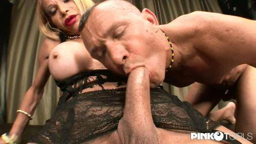 Kristall - The big dick of the Milf [HD, 720p] [PinkoTGirls.com] - Shemale