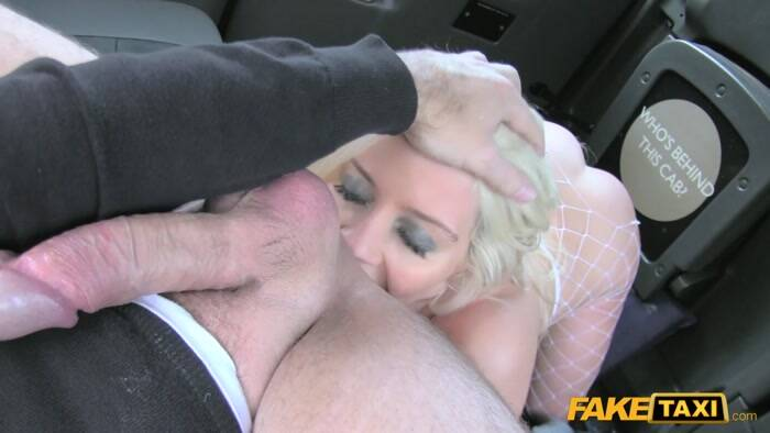 FakeTaxi/FakeHub - Sienna Day - Sexy blonde in rough anal sex E 300 [2016 HD]