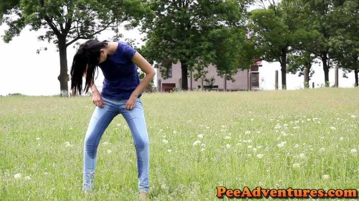 PeeAdventures.com - Drinking and wetting her jeans (Pissing) [FullHD, 1080p]