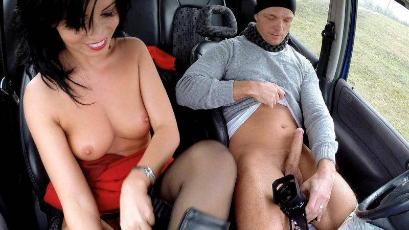 Vicky Love - Stranded Hottie Repays the Favor [SD] - Mofos