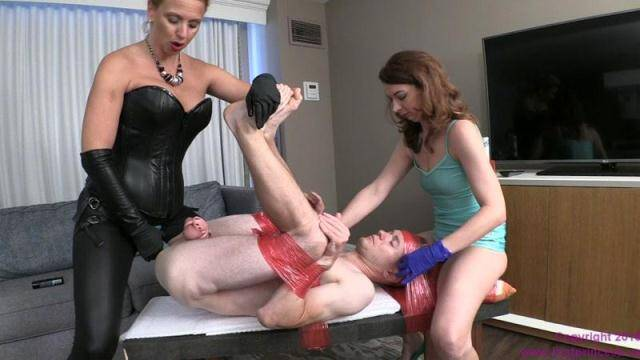 BratPrincess.us - Danni Gets Pre Party Pegging From Mom And Sister [HD, 720p]