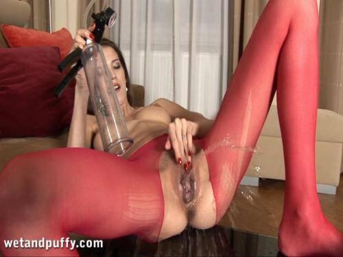 Silvie - Crazy Pee Masturbate! [FullHD, 1080p] [WP] - Pissing