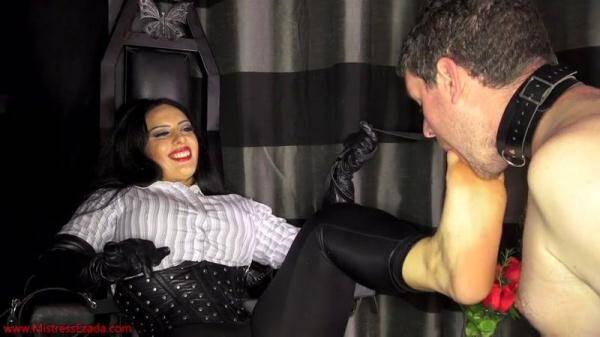 Mistress Ezada Sinn - Stinky socks and sweaty feet licker (MistressEzada.com) [HD, 720p]
