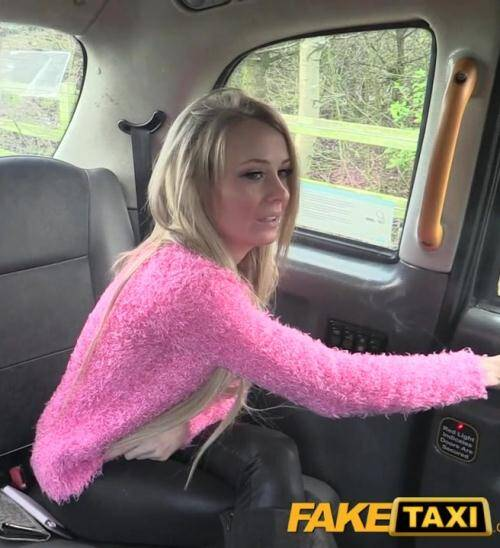 Sex in Taxi - E304 [Slim lady in black sexy boots] (HD 720p)