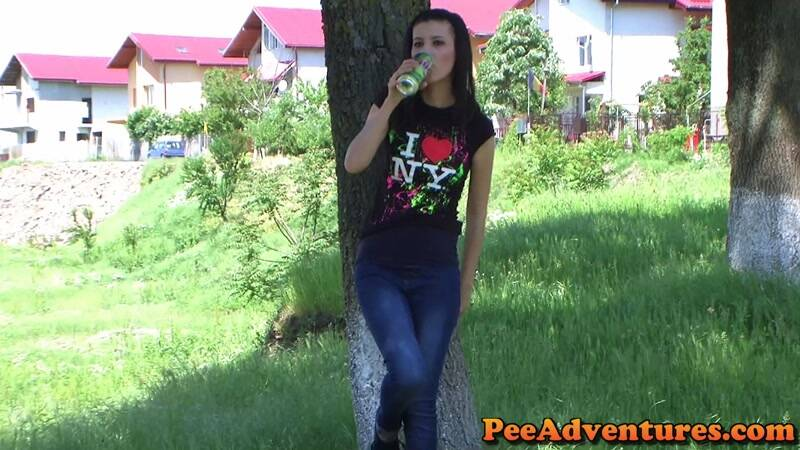 Peeing in her jeans [FullHD] - PeeAdventures