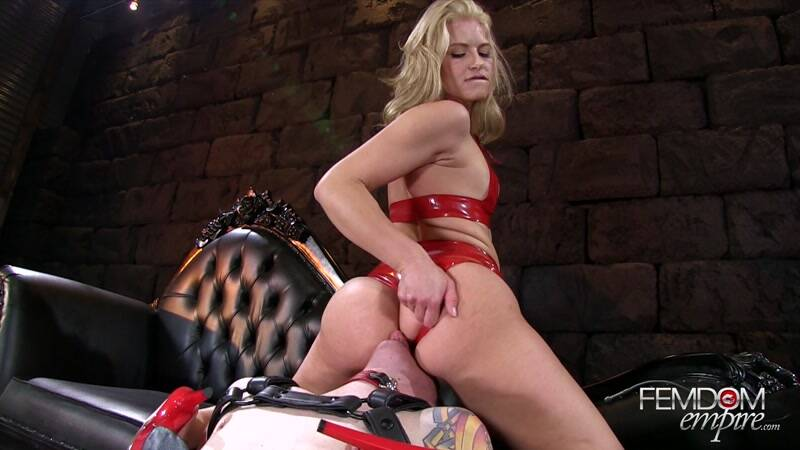 Female Domination: Annika's Ass Junkie [FullHD] (794 MB)
