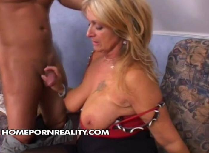 HomePornReality.com - Lusty mama (Amateur) [SD, 540p]