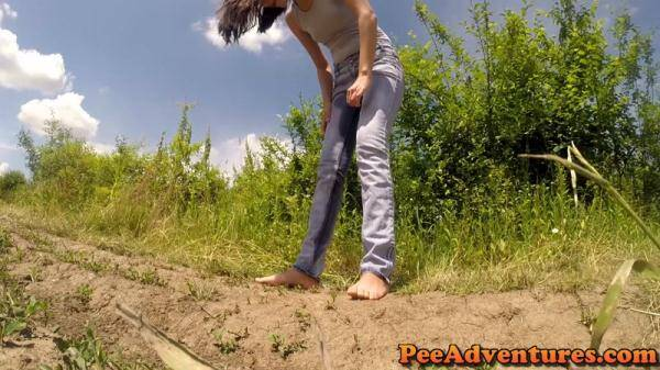 Wetting her jeans and undressing (PeeAdventures.com) [FullHD, 1080p]