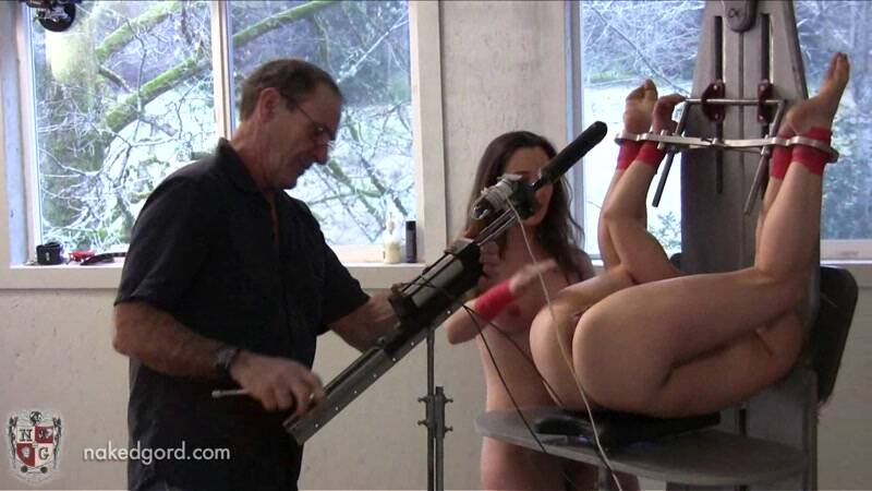 Nakedgord.com: Hard Masturbation with Bondage! [HD] (163 MB)