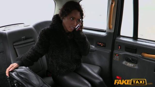 FakeTaxi/FakeHub - Kiki Minaj - Ebony babe sucks and fucks in taxi E302 [SD 480p]
